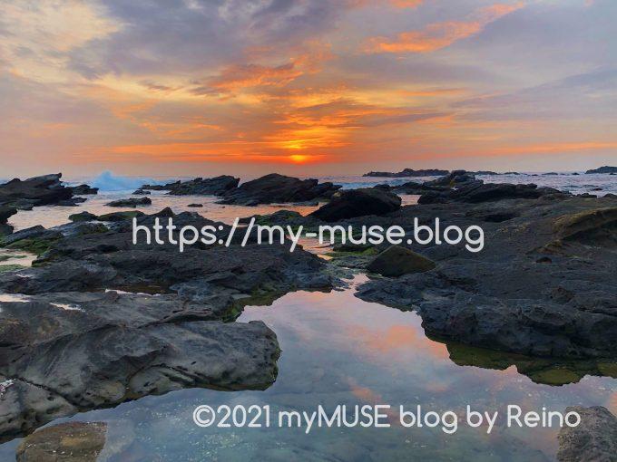 城ヶ島「馬の背洞門」の岩場のマジックアワーは絶景