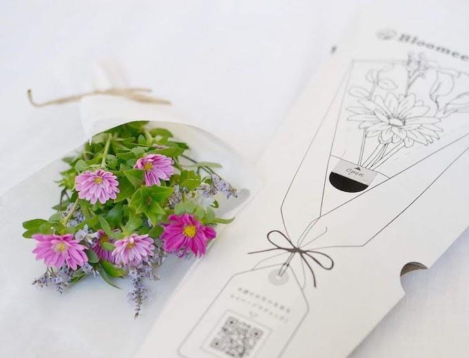 花のサブスクやお花の定期便で部屋をおしゃれに